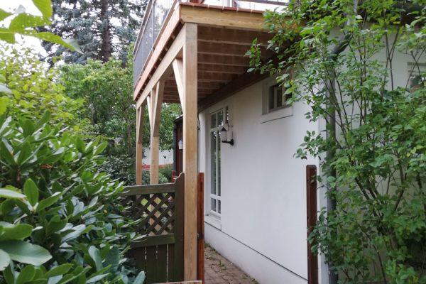 Balkon aus BSH Lärche und Lärche Dielen